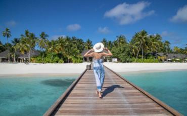 Маст-хэв на медовый месяц: какую шляпку выберете вы?